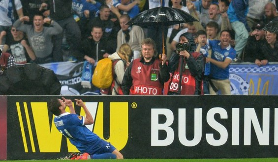 الدوري الأوروبي: دنيبرو يقصي نابولي ويواجه إشبيلية في المباراة النهائية