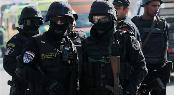 c55938f68 قوات الأمن المصرية تعثر على عبوة ناسفة قبل انفجارها على طريق مطار العريش