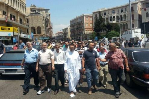 918e33452 تظاهرة منددة بالمشنوق في طرابلس.. وهذا ردّه! | Mulhak - ملحق أخبار ...