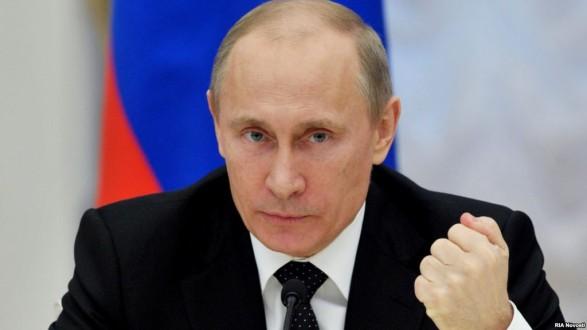 بوتين يوقع مرسوماً بتمديد حظر واردات الغذاء الغربية