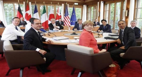أوروبا تمدد العقوبات على روسيا إلى مطلع 2016