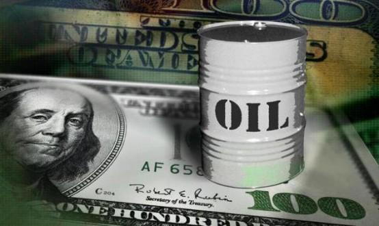 ارتفع النفط بفعل تراجع الدولار وآمال بحل أزمة اليونان
