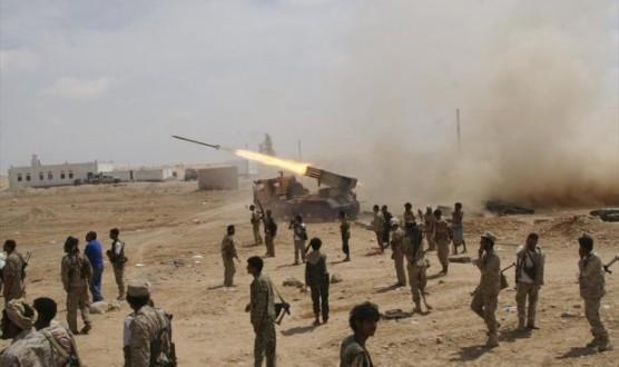 الجيش اليمني يطلق 70 صاروخاً باتجاه مواقع سعودية في جيزان