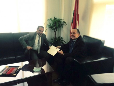 d255412e3 الشامسي أبلغ المشنوق دعم دولة الامارات للحكومة اللبنانية   Mulhak ...