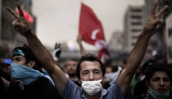 174efaff2 مظاهرات في تركيا احتجاجًا على العملية الانتحارية في سوروج | Mulhak ...