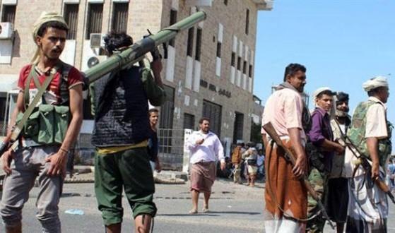 الجيش واللجان الشعبية استعادا السيطرة على مطار عدن بعد اشتباكات عنيفة