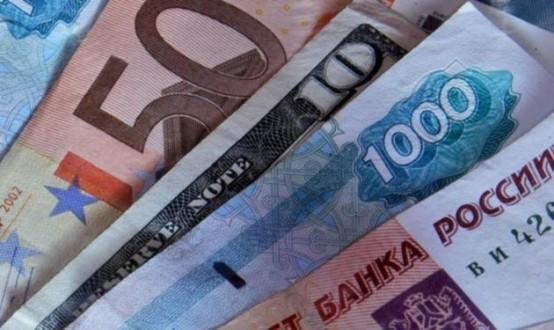 الدولار يتجاوز 60 روبلا لأول مرة في 4 أشهر