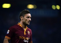 AS Roma forward Francesco Totti looks on during the Serie A football match Sampdoria against AS Roma, on September 25, 2013, in Luigi Ferraris stadium in Genoa . AFP PHOTO / OLIVIER MORIN        (Photo credit should read OLIVIER MORIN/AFP/Getty Images)
