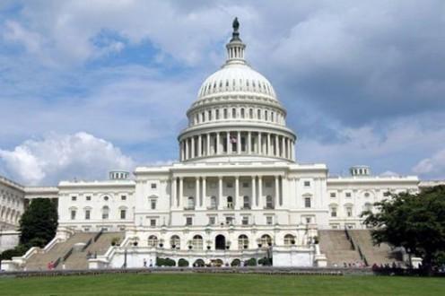 إغلاق شوارع بجانب الكونغرس الأميركي لوجود حقيبة مشبوهة في واشنطن