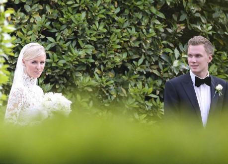 بالصور: مواقف محرجة لنيكي هيلتون في يوم زفافها!