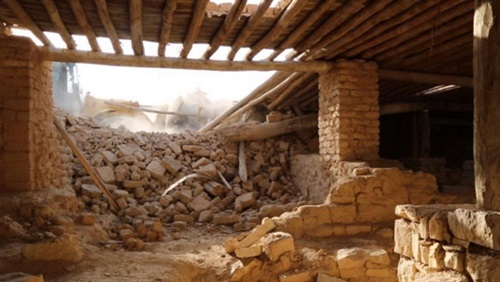 داعش يهدم ديرا تاريخيا في وسط سوريا