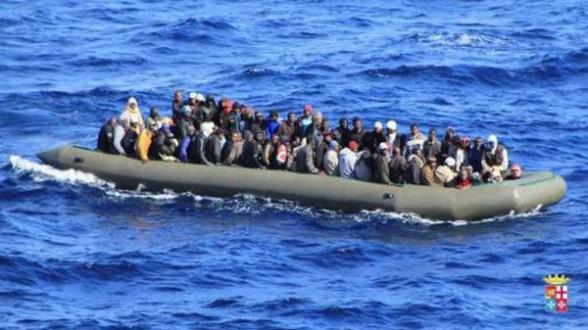"""ألمانيا تعلق اتفاقية """"دبلن"""" وتستقبل مهاجرين غير شرعيين"""