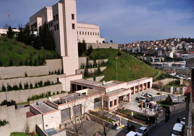 e4b3a432950cb تركيا  مجهولان أطلقا النار على القنصلية الأمريكية والشرطة تعتقل إمرأة