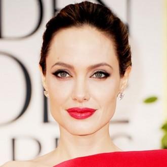 صور انجلينا جولي عارية بـ1800 يورو