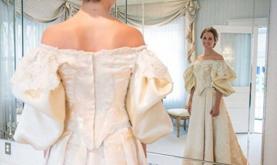 بالصور- عائلة تتوارث فستان زفاف على مدى 120 عامًا!