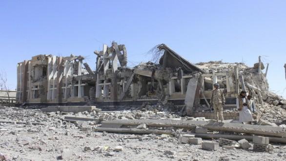 """""""أطباء بلا حدود"""" تطالب السعودية الاعتراف بقصف مشفاها في اليمن"""