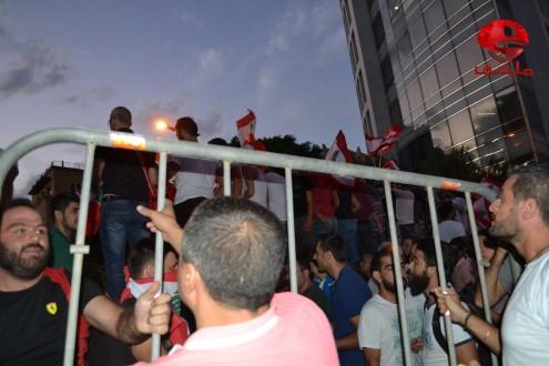 بالصور كاميرا ملحق تواكب الحراك المدني في ساحة الشهداء