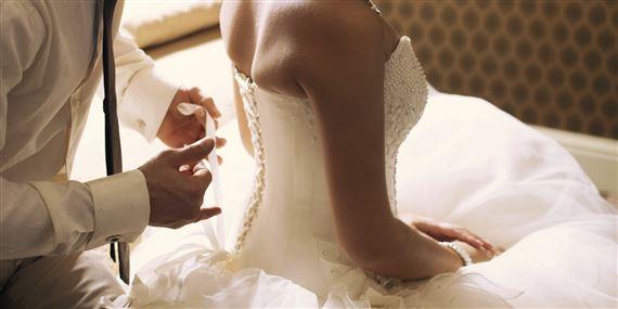 هكذا أدخل رجل عروسه في غيبوبة بليلة الدخلة!