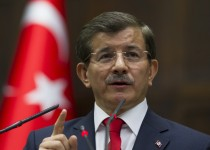"""داود أوغلو يتهم المعارضة بعقلية """"البعث"""" التركي والكردي"""