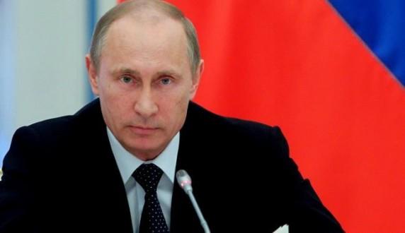 بوتين يوقع مرسوماً لتعليق إتفاقية التجارة الحرة مع أوكرانيا