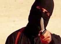"""An image grab taken from a video released by the Islamic State (IS) and identified by private terrorism monitor SITE Intelligence Group on September 2, 2014 purportedly shows a masked militant holding a knife and gesturing as he speaks to the camera in a desert landscape before beheading 31-year-old US freelance writer Steven Sotloff. The United States has identified the masked Islamic State militant who murdered Sotloff and US journalist James Foley in separate videotaped beheadings, FBI chief James Comey said on September 25, 2014. """"We believe we have identified the executioner,"""" Comey told reporters at a briefing in Washington. """"I won't tell you who it is.""""   AFP PHOTO / SITE INTELLIGENCE GROUP / HO === RESTRICTED TO EDITORIAL USE - MANDATORY CREDIT """"AFP PHOTO / HO / SITE INTELLIGENCE GROUP    - NO MARKETING NO ADVERTISING CAMPAIGNS - DISTRIBUTED AS A SERVICE TO CLIENTS FROM ALTERNATIVE SOURCES, AFP IS NOT RESPONSIBLE FOR ANY DIGITAL ALTERATIONS TO THE PICTURE'S ==="""