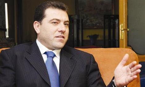 فرع المعلومات يترك مرافقاً ثالثاً للنائب السابق حسن يعقوب بعد استجوابه