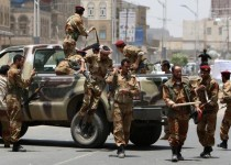 Yemeni pro-opposition soldiers deploy in