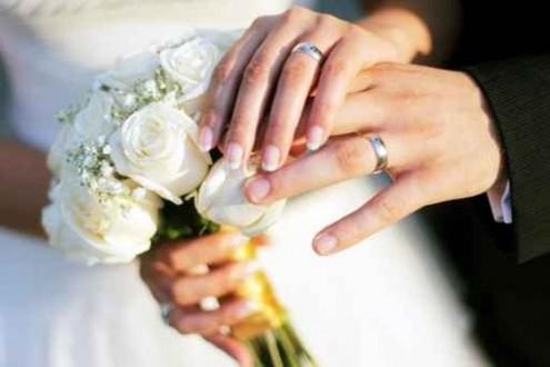 موقع على الإنترنت يعطي 10 ألاف دولار للراغبين في الزواج