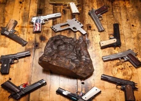 """مسدس من """"النيزك"""" في أميركا!"""