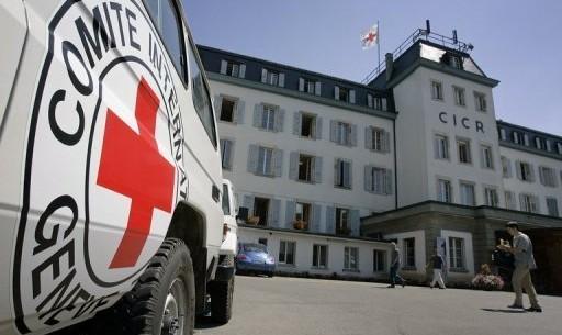 الصليب الأحمر يطلب زيارة مزيد من السجون في سوريا