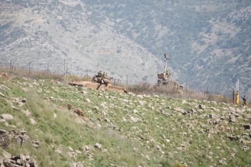 الجيش الاسرائيلي يستخدم القنابل العنقودية في قصفه محور المجدية – العباسية – الماري