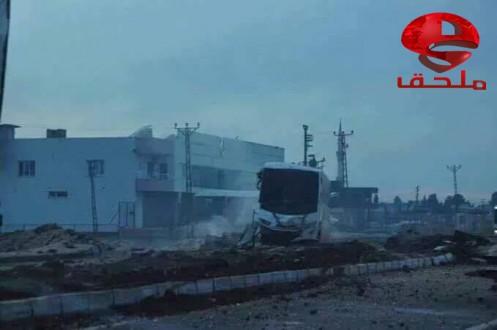 """خاص-مسلحون أكراد يفجرون باصاً للشرطة التركية في مدينة """"نصيبين"""" المحاذية للقامشلي"""