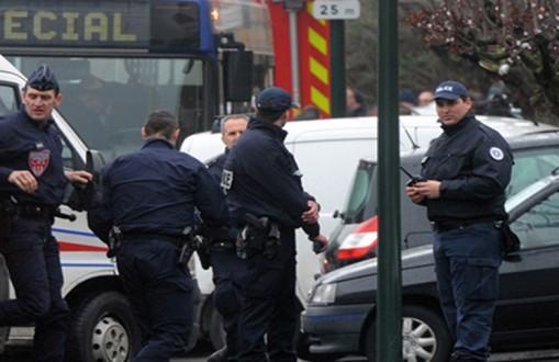 فرنسا: الشرطة تقبض على شخص يحمل سلاحين ناريين في متنزه يوروديزني