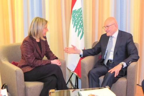 سلام عرض في دافوس مع موغيرني التطورات في لبنان والمنطقة