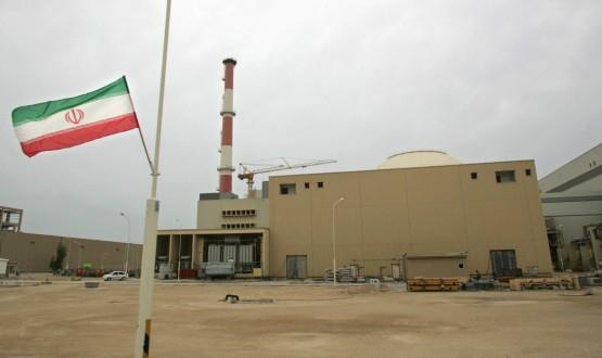 الطاقة الذرية الإيرانية تؤكد انها لم توقف العمل بعد في مفاعل آراك