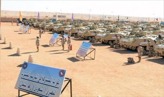 """حشود عسكرية عراقية إلى الحدود مع السعودية لمراقبة """"رعد الشمال"""""""
