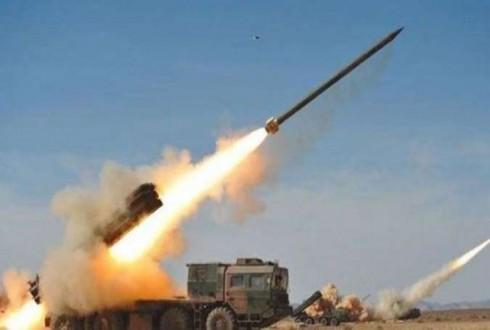 الجيش اليمني يطلق صاروخاً باليستياً على تجمعات التحالف السعودي بمعسكر تداوين في مأرب