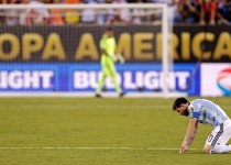 Jun 26, 2016; East Rutherford, NJ, USA; Argentina midfielder Lionel Messi (10) reacts during a shoot out against Chile in the championship match of the 2016 Copa America Centenario soccer tournament at MetLife Stadium. Mandatory Credit: Adam Hunger-USA TODAY Sports     TPX IMAGES OF THE DAY