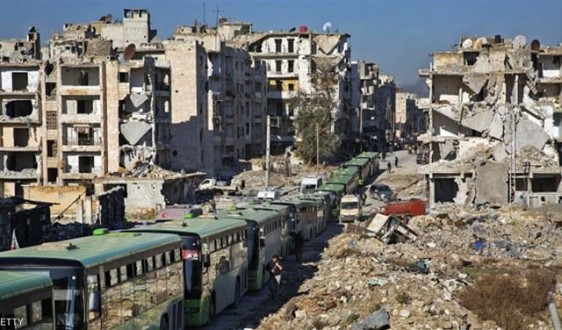 ec3cafb4e239a آخر دفعة من المسحلين تبدأ بمغادرة مدينة حلب عبر معبر الراموسة ...