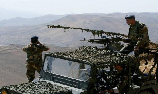62f8a5217 وزير الدفاع وقائد الجيش يتفقدان الوحدات المنتشرة على الحدود الشرقية في  منطقة عرسال