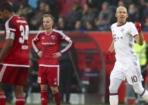 Football Soccer - FC Ingolstadt 04 v Bayern Munich - German Bundesliga - Audi Sportpark, Ingolstadt, Germany - 11/02/17 - Munich's Arjen Robben celebrates. REUTERS/Michael Dalder. DFL RULES TO LIMIT THE ONLINE USAGE DURING MATCH TIME TO 15 PICTURES PER GAME. IMAGE SEQUENCES TO SIMULATE VIDEO IS NOT ALLOWED AT ANY TIME. FOR FURTHER QUERIES PLEASE CONTACT DFL DIRECTLY AT + 49 69 650050