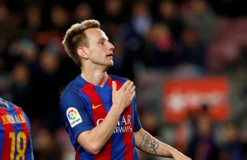 رسمياً : راكيتيتش يمدد عقده مع برشلونة حتى 2021