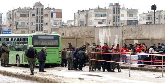 نقل نحو 800 مسلحًا من حي الوعر في حمص