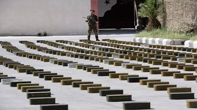 """5dbed36ce بالصور- ضبط شاحنة محملة بأسلحة وذخائر متجهة إلى مسلحي """"النصرة"""" بالقلمون  الغربي"""