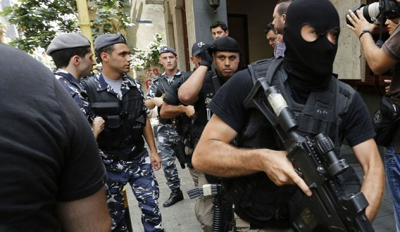 e56b1aa09 قطع طريق صيدا خلال ملاحقة مطلوب | Mulhak - ملحق أخبار لبنان والعالم ...