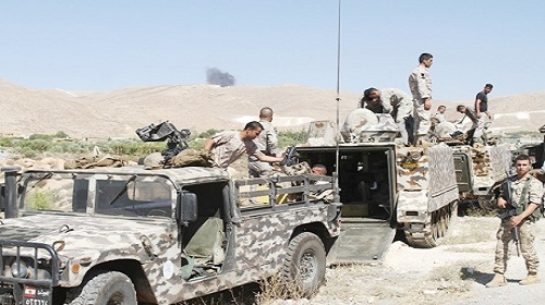 ce6bcab98 الجيش أوقف 8 اشخاص مشتبه بانتمائهم إلى داعش في جرود عرسال | Mulhak ...