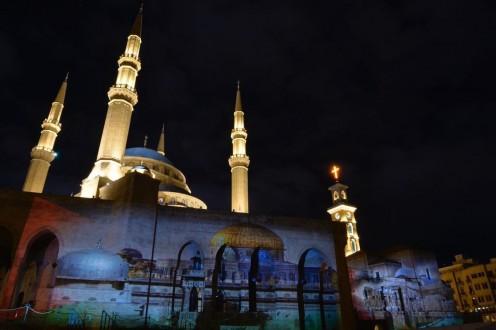 d4d3bac88 إنارة مسجد محمد الأمين وكاتدرائية مار جرجس المارونية بصورة المسجد الاقصى