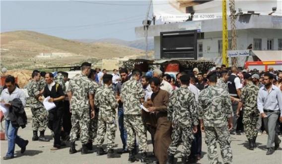 295 نازحاً عادوا إلى قراهم السورية