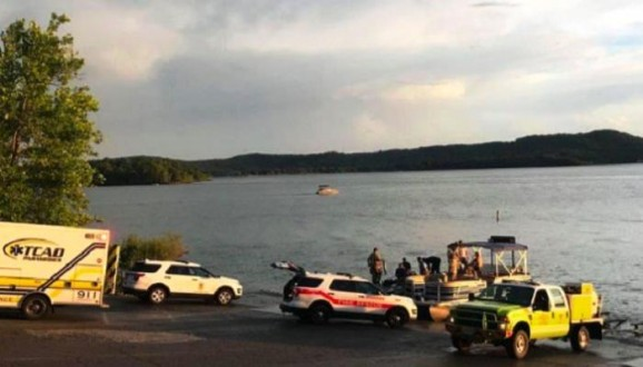 83522bc674d19 قتلى وجرحى بانقلاب قارب في ولاية ميزوري الاميركية