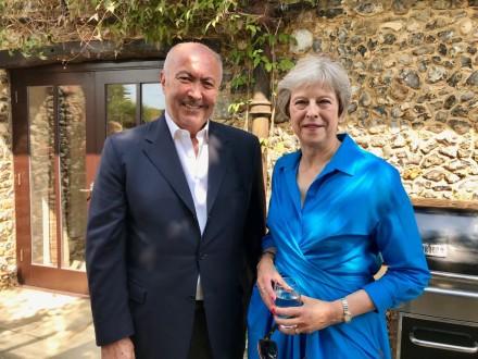 0a2134084537b مخزومي التقى تيريزا ماي  بريطانيا تقف إلى جانب استقرار لبنان وتدعمه في  قضاياه الملحة وفي